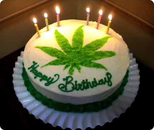 Торт в виде конопли не вредно ли каждый день курить марихуану